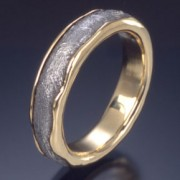 Arcturus Meteorite Ring with 18ky